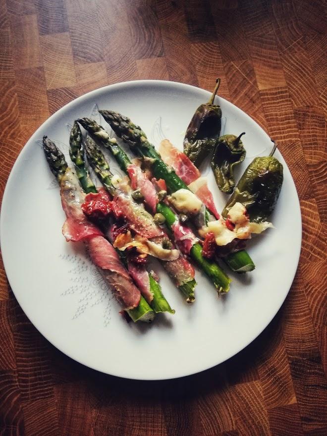 szparagi w szynce